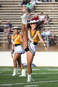 Friend cheerleader kick dancer upskirt tubes this awesome