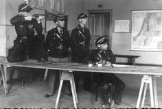 Betar from Lodz during training. 1930s.
