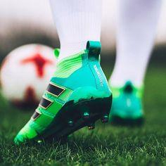 220 mejores imágenes de Futbol Shoes  0dd11a25429fc