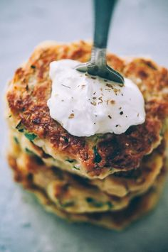These easy, healthy Gluten-Free Vegan Zucchini Fritters are made with chickpea flour for added nutrition and depth. Packed with the perfect blend of spices, these delightful vegan fritters are beyond DELICIOUS, too! | Gluten Free Zucchini Fritters | Chickpea Flour Fritters | #veganzucchinifritters #glutenfreezucchinifritters Vegan Breakfast Recipes, Vegan Recipes Easy, Free Recipes, Gluten Free Zucchini Fritters, Fresh Salsa Recipe, Quick Easy Vegan, Kefir Recipes, Vegan Coleslaw, Vegan Banana Bread