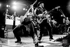 Raul Malo, Eddie Perez and Eddie's fabulous pants - The Mavericks - Mono Mundo Tour 2015 - photo by Charlie Spieker