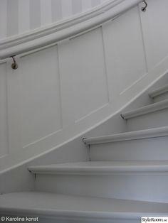 Small Hallway Decorating, Hallway Mirror, Shine The Light, Small Hallways, Trim Work, House Stairs, Stairways, Interior Design Living Room, Outdoor Decor