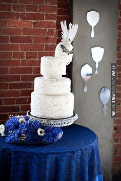 lady gaga inspired cake | CHECK OUT MORE IDEAS AT WEDDINGPINS.NET | #weddingcakes