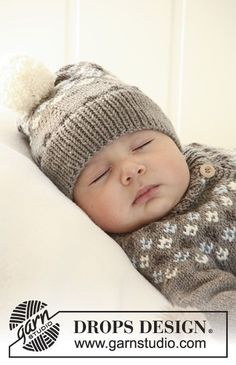 """First Snow / DROPS Baby - Set comprises: Knitted DROPS jacket with raglan sleeves and turtle neck, hat with pattern and socks with pattern in """"Merino Extra Fine"""". - Free pattern by DROPS Design Baby Knitting Patterns, Baby Cardigan Knitting Pattern Free, Baby Hats Knitting, Baby Patterns, Crochet Patterns, Finger Knitting, Scarf Patterns, Knitting For Charity, Knitting For Kids"""