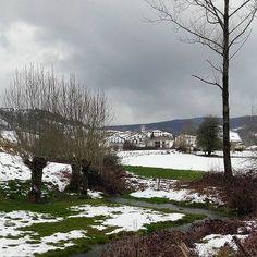 Paisajes nevados en #Navarra... Uitzi, valle de Larraun (Foto By @mikelbelasko - #Instagram)