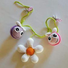 By Grarup - Altid en hæklenål og garn ved hånden Handmade Baby, Diy Baby, Pdf Patterns, Crochet Patterns, Crochet Ideas, Crochet Baby, Knit Crochet, Doily Dream Catchers, November Baby