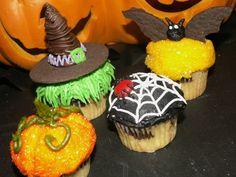 Google Image Result for http://www.cutecakes-sd.com/gallery/imagelib/halloween%2520mini%2520cupcakes%2520011.jpg