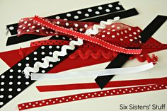 Come and learn how to use up all of your loose ribbon scraps with this Tulle & Ribbon Scrap Bow. This bow is full, fun, & great for big or little girlees. How To Make A Gift Bag, Six Sisters, You Loose, 4th Of July Wreath, Fun Crafts, Hair Bows, Scrap, Tulle, Ribbon