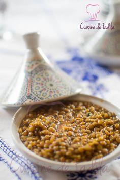 Lentilles à la Marocaine: recette en vidéo Veggie Recipes, Real Food Recipes, Soup Recipes, Vegetarian Recipes, Healthy Recipes, Morrocan Food, Middle East Food, Quinoa, Nigerian Food