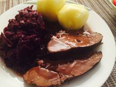 Wildschweinbraten nach Großmutters Art Boar roast after grandma's kind of Cuban Recipes, Dutch Recipes, Chef Recipes, Drink Party, Russian Pastries, Famous Drinks, Good Food, Yummy Food, Game