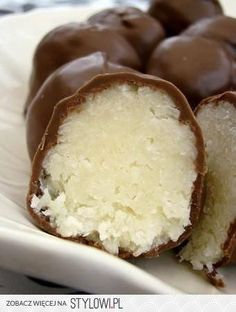 na Cuisine - Zszywka. Types Of Desserts, No Cook Desserts, Delicious Desserts, Chocolates, Sweet Little Things, Good Food, Yummy Food, Polish Recipes, Chocolate Desserts