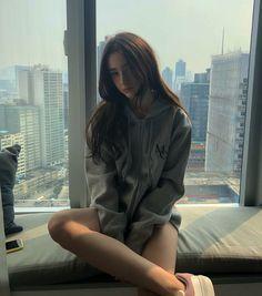Beautiful and Gorgeous Mode Ulzzang, Ulzzang Korean Girl, Uzzlang Girl, Girl Face, Cute Girl Photo, Cool Girl, Western Girl, Selfie Poses, Aesthetic Girl
