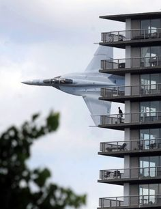 A Navy F/A-18F Super Hornet crew got permission for a low-level demonstration flight, as part of the opening ceremony for a speedboat race on the Detroit River, last weekend. This is what it looked like, for Motor City residents.
