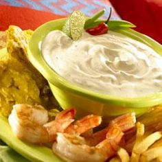 Creamy Chipotle Lime Dip Recipe Appetizers with hellmann' or best food real mayonnais, sour cream, knorr chipotl minicub, lime juice, chopped fresh cilantro Cream Sauce Recipes, Dip Recipes, Seafood Recipes, Mexican Food Recipes, Low Carb Recipes, Appetizer Dips, Appetizer Recipes, Summer Snacks, Fresh Lime Juice