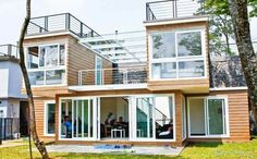 container home….nice 5-6 container layout/design, nice blend of porches, balconies and decks to compliment the interior spaces #containerhome #shippingcontainer