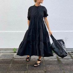 CASUAL DRESSES – dorryn Dress Robes, Maxi Dress With Sleeves, Short Sleeve Dresses, Casual Dress Outfits, Dress Making, Fashion Dresses, Classic, Ankara Styles, Black