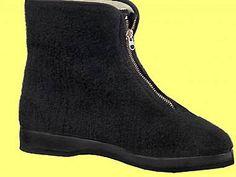 Důchodky. Ilustrační foto. Childhood Memories, Chelsea Boots, Retro Vintage, The Past, 1, Socialism, Czech Republic, Budapest, Shoes