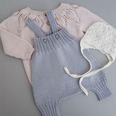 Noe nytt og noe gammelt. En søt liten #kortbuksemedseler oppskrift fra @sandnesgarn og #dahliajakke fra @leneholmesamsoe #cloverearflaphat oppskrift fra Ravelry #sandnesgarn #instaknit #dalegarn #houseofyarn_norway #knit #knitting #knitted #knittersofinstagram #knitstagram #knitting_inspiration
