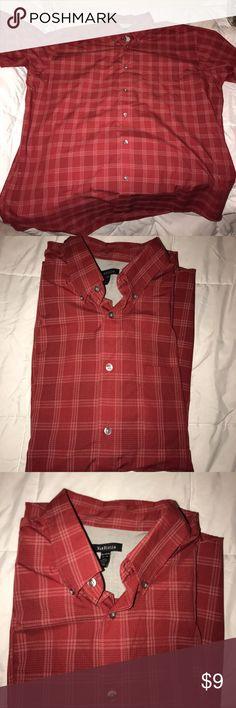Van Heusen short sleeve button down Men's XL Van Heusen button down Van Heusen Shirts Casual Button Down Shirts