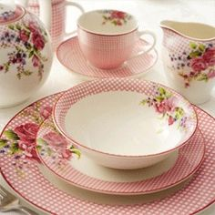 Pink rose dishes ~ sweet country style