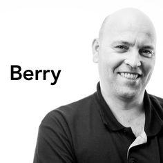 Zijn carrière in het grafische vak begon voor Berry met zeefdrukken. Na een aantal jaren zag hij de mooie en uitdagende mogelijkheden van het gebruik van folies. Met name de folies die gebruikt worden om ramen te tinten en de zogenaamde wrapfolies hebben al snel zijn hart gestolen. Met zijn zeer klantvriendelijke werkhouding gaat hij graag op locatie bij de klant langs. #belettering #zeefdrukken #folies #carwrapping #klantvriendelijk #stunnenberg ×