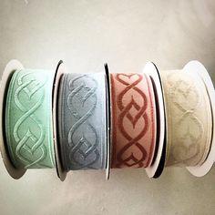 Yeni ürünlerimiz/new goods 🎀 #softrenkler #dokumakurdele #soft #yumuşakrenkler #kurdele #pastelrenkler #pastel #kurdela #hobby #dikiş #çeyiz #craft #hobi #tuhafiye #kurzwaren #bordür #border #borten #etsy #etsylove #10marifet #deryabaykal #ribbon #woven #tekstil #evtekstil