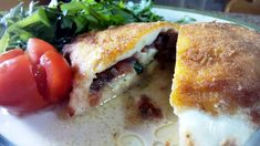 Mozzarella rellena - Mozzarella rebozada - Mozzarella ripiena - Stuffed mozzarella. Italian food, italian kitchen, comida italiana, cocina italiana