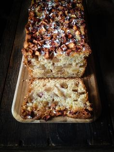 Recipe: Spiced Apple Coffee Cake Makes 1 Cake or 1 Loaf Cake Note: I have made this cake in a loaf pan, cast-iron skillet and a cake p. Apple Loaf Cake, Apple Coffee Cakes, Apple Bread, Just Desserts, Delicious Desserts, Dessert Recipes, Yummy Food, Apple Desserts, Dessert Bread