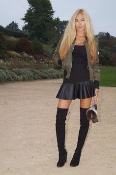 Black thigh high boots combined with bare legs and a short black skirt. Black Boots Outfit, Sexy Boots, Black Thigh High Boots, High Heel Boots, Hot High Heels, Belle Photo, Over The Knee Boots, Womens Fashion, Fashion Trends