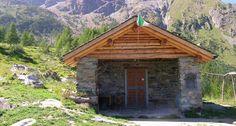 BIVACCO ALPINI LAGAZZUOLO - Sorge all'Alpe Lagazzuolo a quota 1974 m. vicino all'omonimo laghetto.