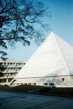 Brutalist Pyramid Week! Who doesnt love a good triangle. This week we are going all in with the concrete pyramids of this world. Today: The demolished seminar building of the Gakushuin University.Kunio Maekawa: Gakushuin University Tokyo Japan 19581960 demolished in 2008http://ift.tt/1YCQFdR Photo: Richard Langendorf / MIT Libraries 1961 (CC BY-NC 3.0)