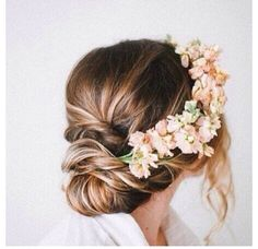 love the soft bun and the flower crown