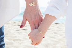 Pulseras y brazaletes - madre hija set de pulseras con orchideas en oro - hecho a mano por mylittlebonheur en DaWanda