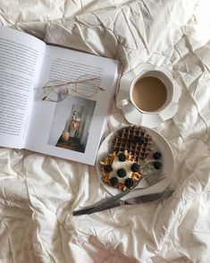 Cosy Home, Journal Aesthetic, My Themes, Coffee Cafe, White Aesthetic, Puns, Tableware, Instagram, Aesthetics