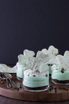 No Bake Mint Chocolate Chip Shamrock Cheesecake