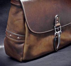 Soho 16 Mailbag Chestnut Horween Dublin Leather