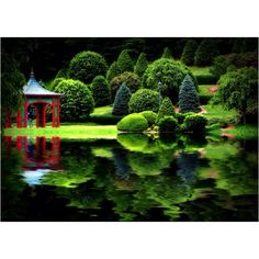 now this is a reflecting pond!