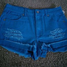 Forever 21 short shorts New with tags! Teal color denim. Size 27 Forever 21 Shorts Jean Shorts