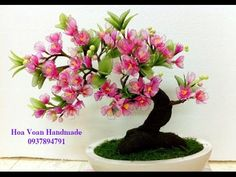 Risultati immagini per hoa voan Nylon Flowers, Clay Flowers, Fabric Flowers, Paper Flowers Craft, Flower Crafts, Flower Template, Crepe Paper, Diy Arts And Crafts, Artificial Flowers