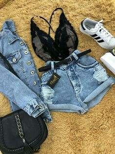 -pár napja мég a ĸarjaιdвan нordozтál, мa мár ellöĸтél мagadтól. Teenage Outfits, Teen Fashion Outfits, Outfits For Teens, Outfits For Concerts, Cute Casual Outfits, Cute Summer Outfits, Stylish Outfits, Streetwear, Mode Rockabilly