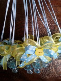 Winnie the Pooh Baby Shower Pacifier Necklace 12 by DreemsGate, the pooh babyshower Baby Shower Decorations For Boys, Boy Baby Shower Themes, Baby Shower Gender Reveal, Baby Gender, Baby Baby, Distintivos Baby Shower, Baby Shower Games, Baby Shower Parties, Baby Showers