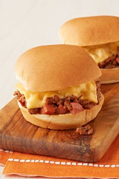 Chili-Dog Sloppy Joe Sliders – Find your new favorite crowd-pleaser with this Chili Dog-Sloppy Joe Sliders recipe. Serve up this meaty goodness on a little bun at your next party as an appetizer.