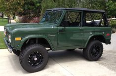 Rocky Roads Classic Ford Bronco Restoration Process, Vintage Frame ...