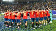 MARCA (@marca) / Twitter Basketball Court, Soccer, Euro, Twitter, Sports, Futbol, European Football, European Soccer, Football