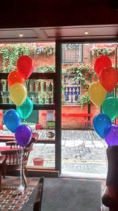 Rainbow coloured balloon bouquets - How To Make Crazy PARTY Rainbow Dash Party, Rainbow Unicorn Party, Rainbow Theme, Rainbow Baby, Rainbow First Birthday, Little Girl Birthday, First Birthday Parties, 4th Birthday, Twin Birthday