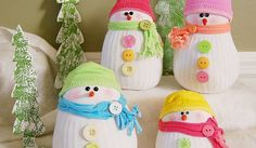 I love cushy cuddly things. How cute that these adorable guys/gals are made with a couple pair of socks. This is a cute craft to make with the kids, and they will cherish having their own cuddly snowmen to play with. If not, perhaps you need some adorable snow decor for that perfect spot in …