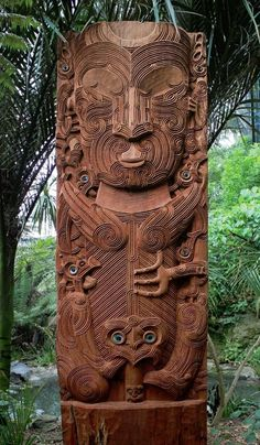 The Maori: A Rich and Cherished Culture at the World's Edge A carving of Tāne nui a Rangi, a Māori god, sited at the entrance to the forest aviary at Auckland Zoo. Polynesian People, Polynesian Art, Maori Designs, Tribal Tattoos, Tribal Tattoo Designs, Maori Tattoos, Arte Tribal, Tribal Art, Samoan Tribal