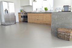 Een gietvloer in de keuken: waarom is dit een goede combinatie? - Solo Gietvloeren