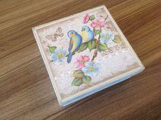 Caixa de presente em MDF com decoupage, www.ideiasartesanato.com.br