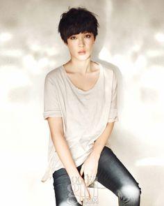 plain tees and boy haircuts  - vogue girl korea